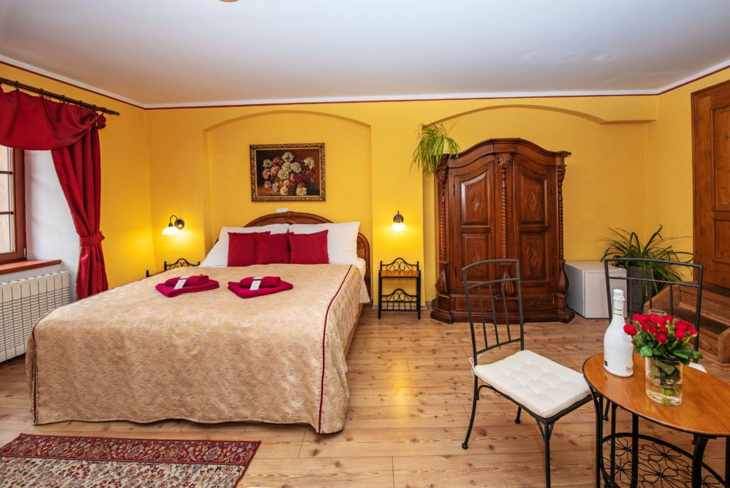 Ubytování U Bílé Paní Český Krumlov Třílůžkový apartmán pokoj